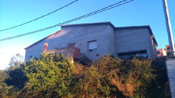 Casa en venta en Can Gordei, la Bisbal del Penedès, Tarragona, Calle Llobregat, 60.238 €, 3 habitaciones, 2 baños, 151 m2