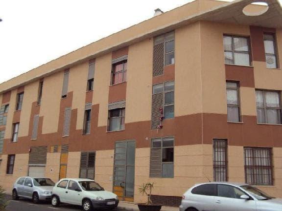 Piso en venta en Puerto del Rosario, Las Palmas, Calle Tinojay, 83.750 €, 3 habitaciones, 2 baños, 139 m2