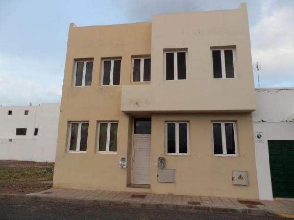 Piso en venta en Altavista, Arrecife, Las Palmas, Calle Chimia, 69.505 €, 2 habitaciones, 2 baños, 69 m2