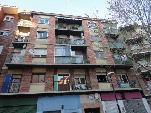 Piso en venta en Zaragoza, Zaragoza, Calle Travesia Puente Virrey, 50.000 €, 2 habitaciones, 1 baño, 76 m2