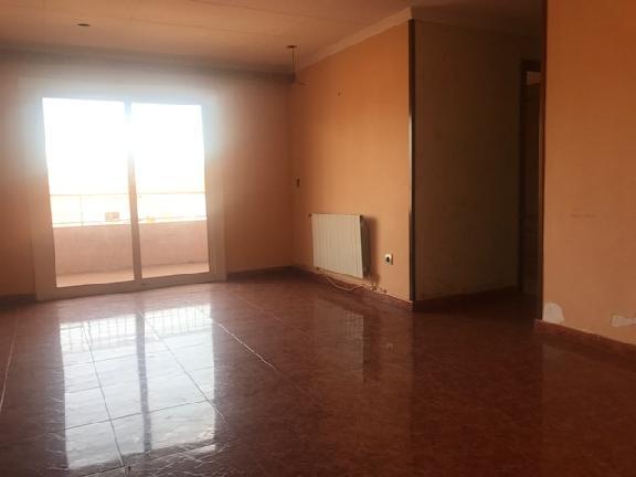 Piso en venta en Salt, Girona, Calle Angel Guimera, 64.917 €, 3 habitaciones, 1 baño, 86 m2