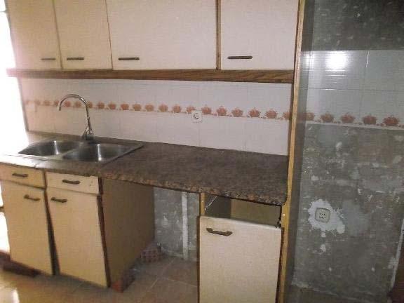 Piso en venta en Figueres, Girona, Calle Salines Les, 90.083 €, 4 habitaciones, 1 baño, 111 m2