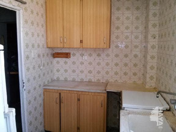 Piso en venta en Grupo San Vicente Ferrer, Castellón de la Plana/castelló de la Plana, Castellón, Calle San Joaquin, 19.990 €, 2 habitaciones, 1 baño, 51 m2