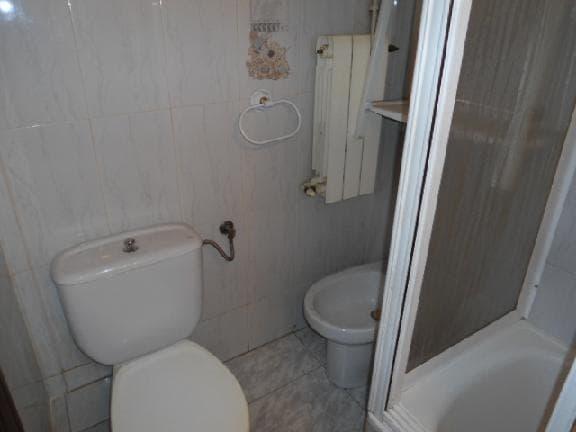 Piso en venta en Santa Coloma de Gramenet, Barcelona, Calle Irlanda, 81.914 €, 3 habitaciones, 1 baño, 51 m2