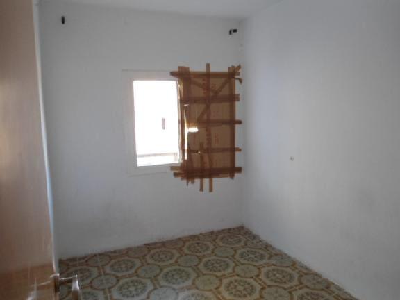 Piso en venta en L´asil, Santa Coloma de Gramenet, Barcelona, Calle Napoles, 100.010 €, 2 habitaciones, 1 baño, 65 m2