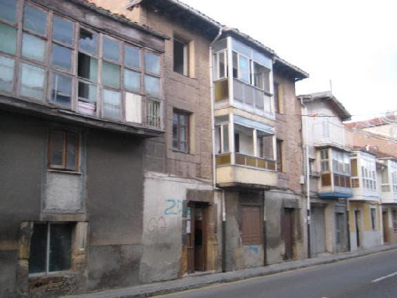 Casa en venta en Reinosa, españa, Avenida de Cantabria, 17.423 €, 3 habitaciones, 1 baño, 257 m2