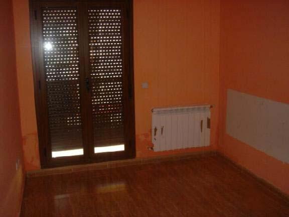 Casa en venta en Horcajo de Santiago, Cuenca, Paseo Angela Rosa Da Silva, 118.074 €, 3 habitaciones, 2 baños, 174 m2
