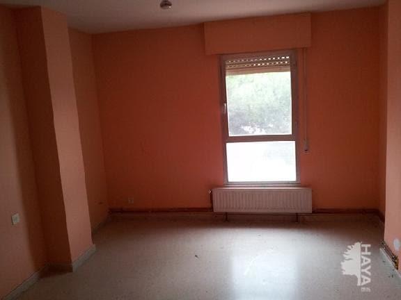 Piso en venta en Piso en Magaz de Pisuerga, Palencia, 38.420 €, 3 habitaciones, 2 baños, 113 m2
