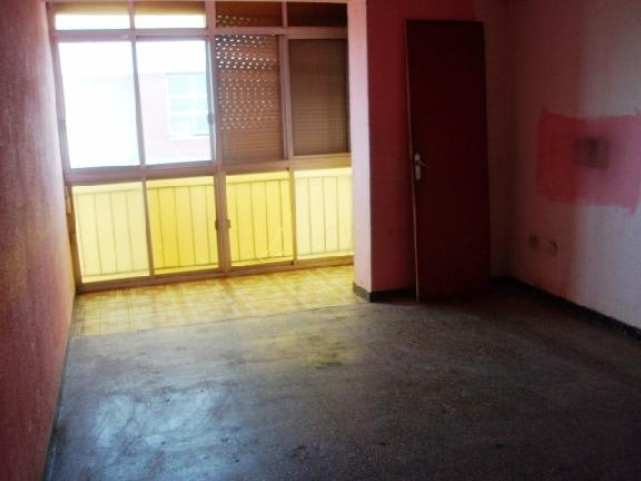Piso en venta en Barri Fortuny, Reus, Tarragona, Calle Escultor Rocamora, 30.727 €, 3 habitaciones, 1 baño, 64 m2