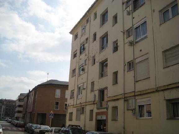 Piso en venta en El Zapatón, Torrelavega, Cantabria, Calle José Gutiérrez Alonso, 41.700 €, 3 habitaciones, 1 baño, 82 m2