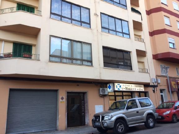 Piso en venta en Inca, Baleares, Calle Miquel Bissellach, 167.000 €, 3 habitaciones, 133 m2