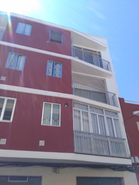 Piso en venta en Ciutadella de Menorca, Baleares, Calle Domingo Savio, 100.000 €, 3 habitaciones, 1 baño, 96 m2