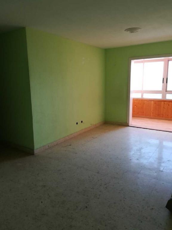 Piso en venta en Santa Cruz de Tenerife, Santa Cruz de Tenerife, Calle Juan Rodriguez Santos, 77.787 €, 3 habitaciones, 2 baños, 87 m2