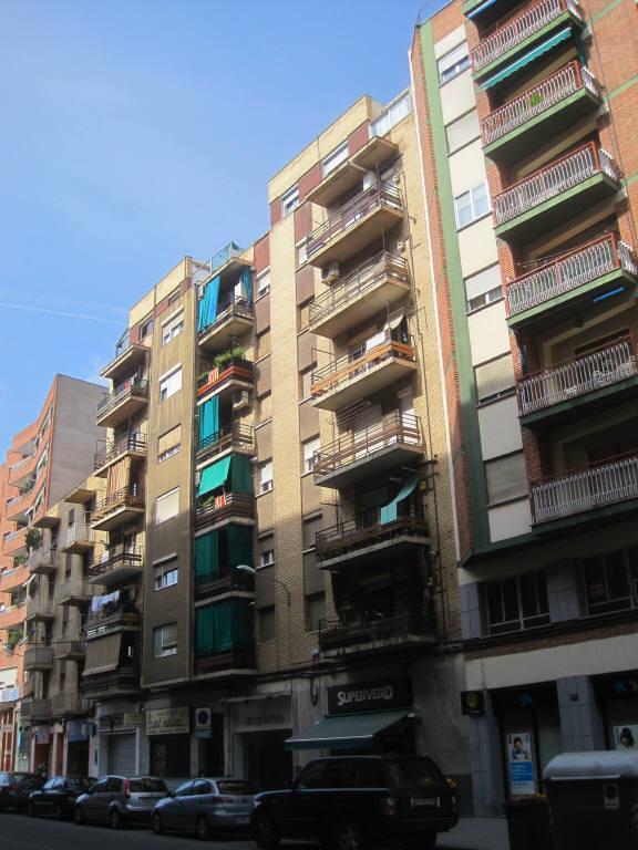 Piso en venta en Instituts - Templers, Lleida, Lleida, Calle Lluis Companys, 57.867 €, 3 habitaciones, 1 baño, 95 m2