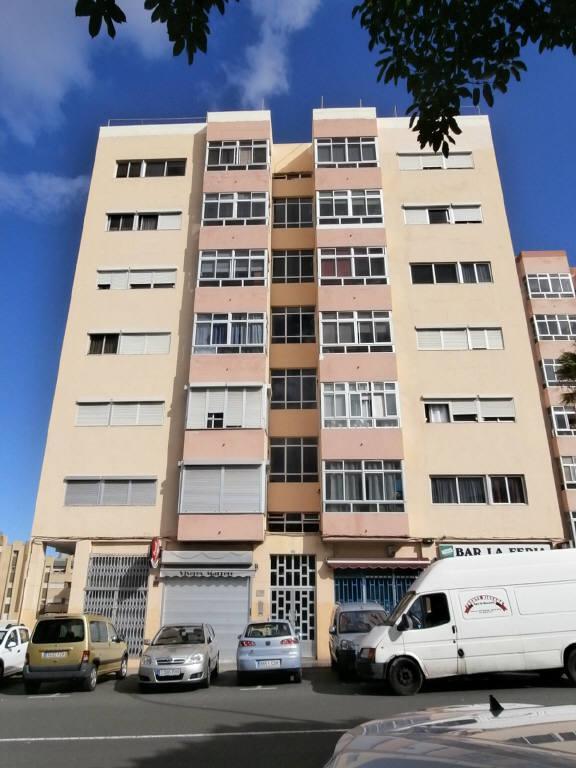 Piso en venta en La Feria del Atlántico, la Palmas de Gran Canaria, Las Palmas, Calle Diego Betancor Suarez, 75.000 €, 3 habitaciones, 2 baños, 87 m2