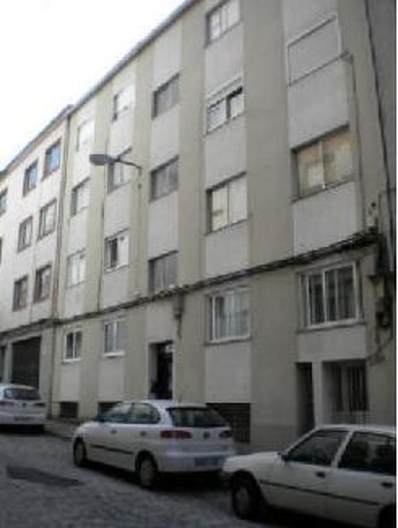 Piso en venta en Santiago de Compostela, A Coruña, Calle Puente de la Reina, 50.600 €, 3 habitaciones, 1 baño, 85 m2
