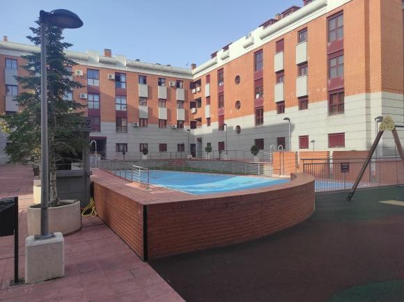 Piso en venta en La Laguna, Parla, Madrid, Calle Rigoberta Menchu, 167.500 €, 3 habitaciones, 2 baños, 111 m2