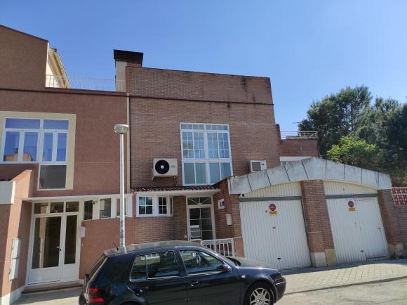 Casa en venta en Soto del Henares, Torrejón de Ardoz, Madrid, Calle Calle Rosa Chacel, 275.100 €, 4 habitaciones, 2 baños, 135 m2