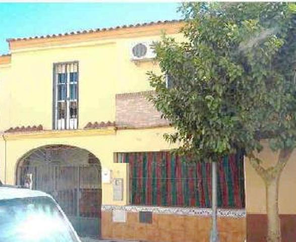 Casa en venta en Olivares, Sevilla, Calle Palacio Real, 118.000 €, 4 habitaciones, 2 baños, 131 m2