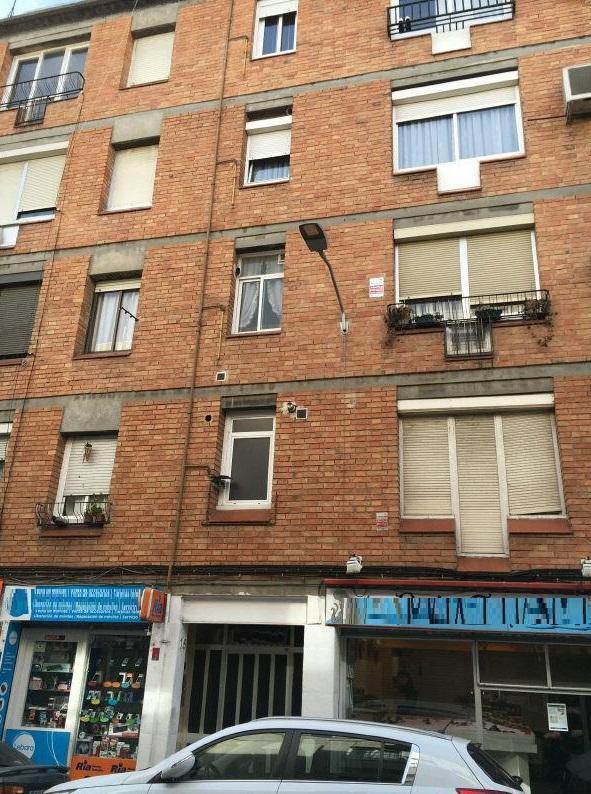 Piso en venta en Sabadell, Barcelona, Calle Caspe, 128.000 €, 4 habitaciones, 1 baño, 79 m2