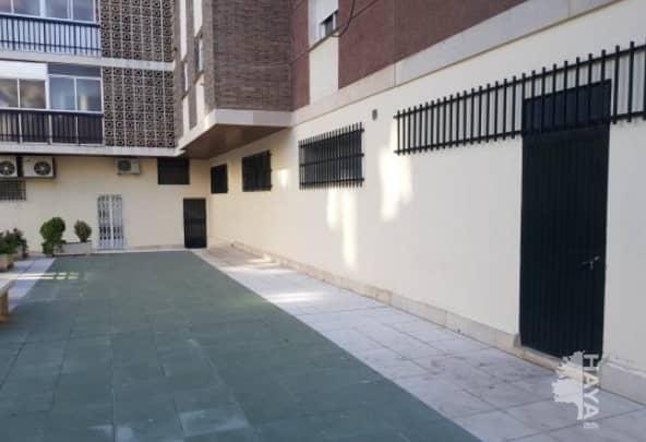 Local en venta en Las Protegidas, Jaén, Jaén, Paseo de la Estación, 37.208 €, 118 m2
