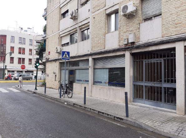 Local en venta en Córdoba, Córdoba, Calle Abderraman Iii, 189.000 €, 140 m2