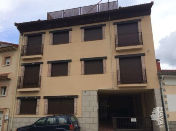 Piso en venta en La Adrada, Ávila, Plaza Machacalinos, 60.500 €, 3 habitaciones, 1 baño, 86 m2