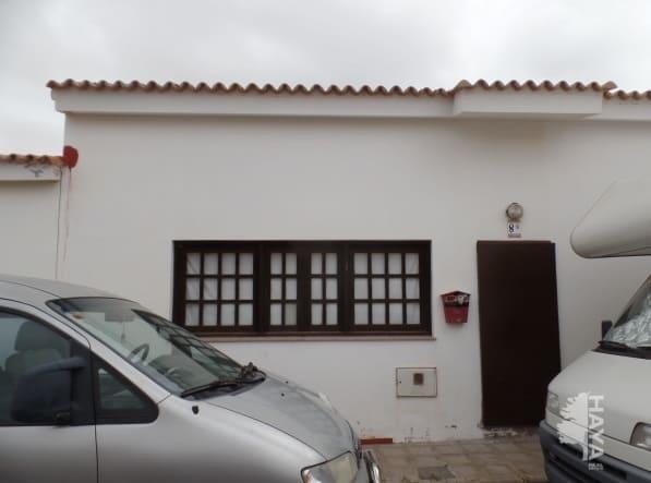 Casa en venta en La Oliva, Las Palmas, Calle Capellania de la Rosa Blanca, 100.000 €, 2 habitaciones, 2 baños, 119 m2