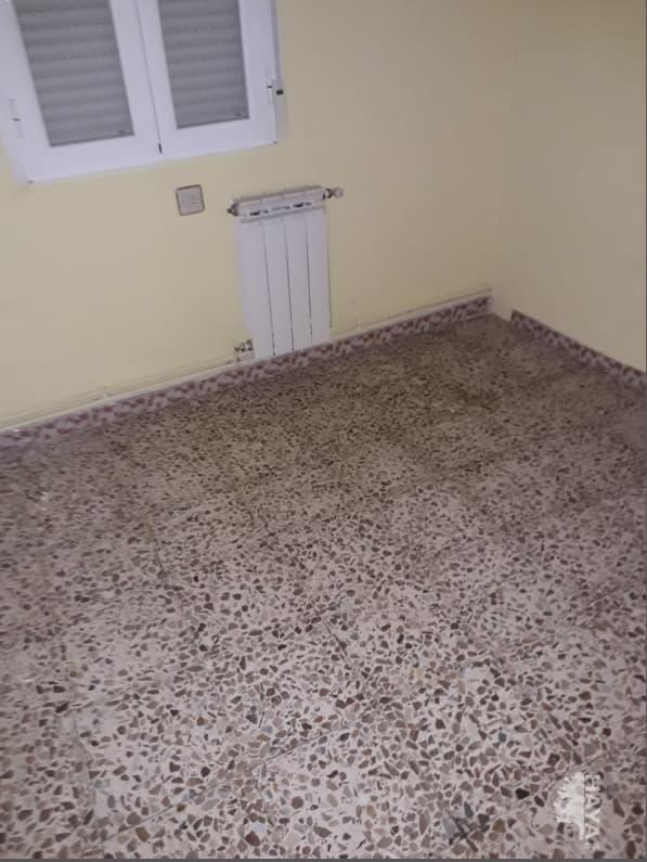 Piso en venta en Ramacastañas, Arenas de San Pedro, Ávila, Travesía Batalla de Lepanto, 62.735 €, 3 habitaciones, 1 baño, 102 m2