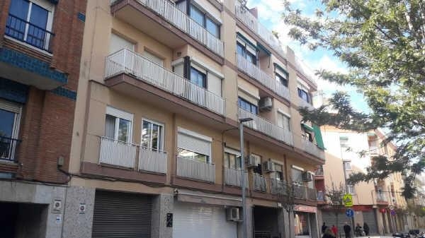 Local en venta en El Gall, Esplugues de Llobregat, Barcelona, Calle Vicenç Bou, 237.000 €, 252 m2