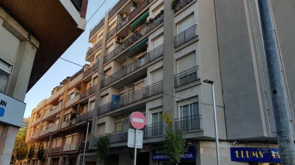 Local en venta en El Gall, Esplugues de Llobregat, Barcelona, Calle Vicens Bou, 237.000 €, 172 m2