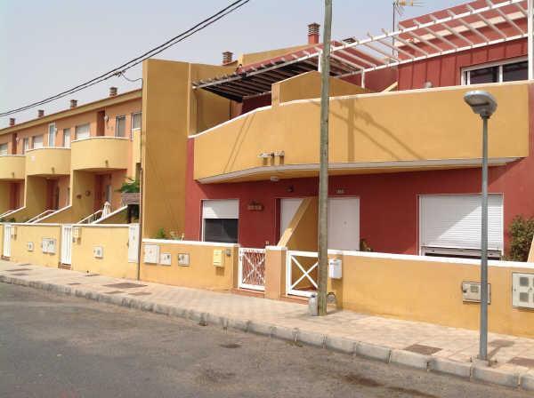 Casa en venta en El Matorral, Puerto del Rosario, Las Palmas, Calle la Jaira, 100.000 €, 2 habitaciones, 1 baño, 85 m2