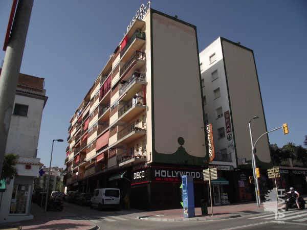 Piso en venta en Lloret de Mar, Girona, Lugar Edificio la Pau, 64.986 €, 3 habitaciones, 1 baño, 75 m2