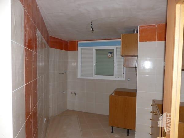Piso en venta en Grupo San Cristóbal, L` Alcora, Castellón, Plaza Caracol, 50.000 €, 3 habitaciones, 2 baños, 106 m2
