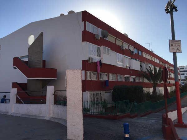 Piso en venta en San Fernando, San Bartolomé de Tirajana, Las Palmas, Avenida Galdar, 103.000 €, 3 habitaciones, 1 baño, 80 m2