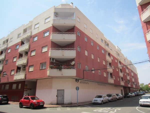 Piso en venta en Urbanización Calas Blancas, Torrevieja, Alicante, Calle Huerto, 89.000 €, 70 m2