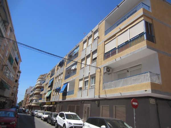Piso en venta en Urbanización Calas Blancas, Torrevieja, Alicante, Calle Moriones, 79.000 €, 69 m2