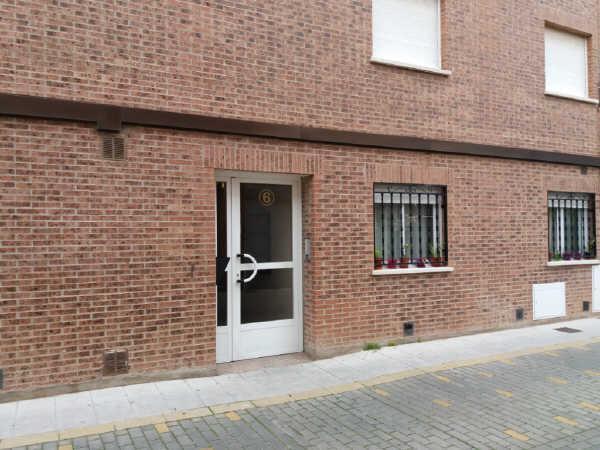 Piso en venta en Azuqueca de Henares, Guadalajara, Calle Rio Gallo, 90.300 €, 2 habitaciones, 2 baños, 75 m2