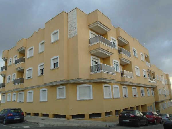 Piso en venta en Benijófar, Alicante, Calle Doña Paz, 75.000 €, 2 habitaciones, 2 baños, 104 m2