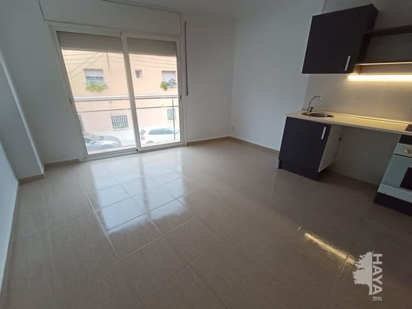 Piso en venta en Centre, Terrassa, Barcelona, Calle Mont Perdut, 77.200 €, 36 m2