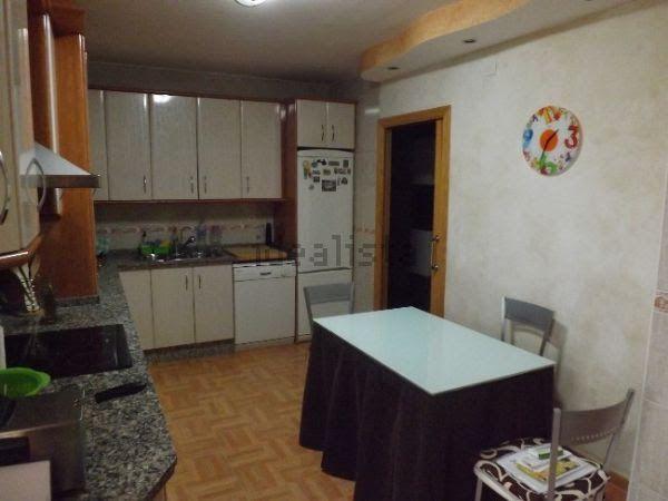 Piso en venta en Piso en Torre del Campo, Jaén, 106.000 €, 3 habitaciones, 2 baños, 144 m2