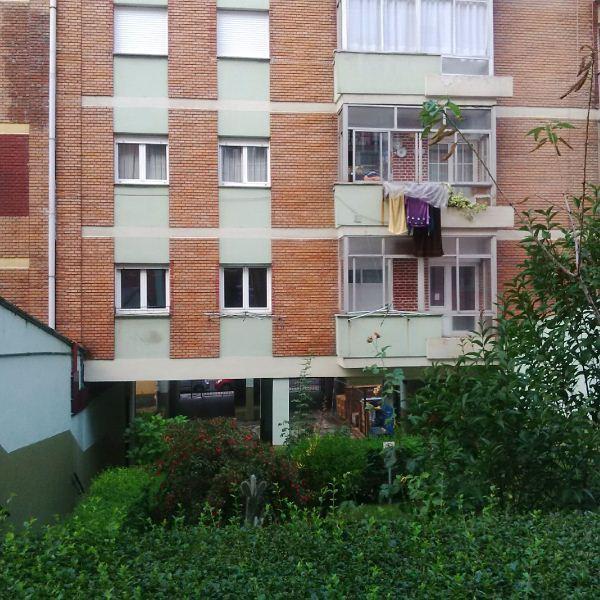 Piso en venta en Las Campas Y San Claudio, Oviedo, Asturias, Calle Augusto Junquera, 67.000 €, 4 habitaciones, 1 baño, 86 m2