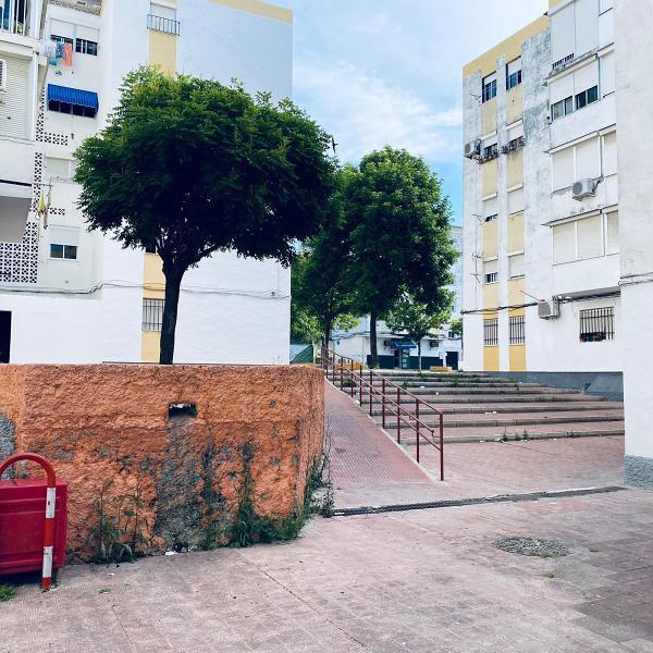 Piso en venta en Los Albarizones, Jerez de la Frontera, Cádiz, Avenida Arcos, 27.000 €, 3 habitaciones, 1 baño, 75 m2