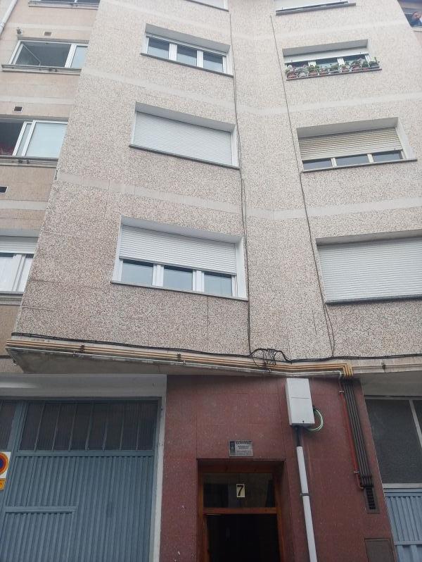 Piso en venta en Noreña, Noreña, Asturias, Calle Calle Nueva, 71.000 €, 3 habitaciones, 94,04 m2