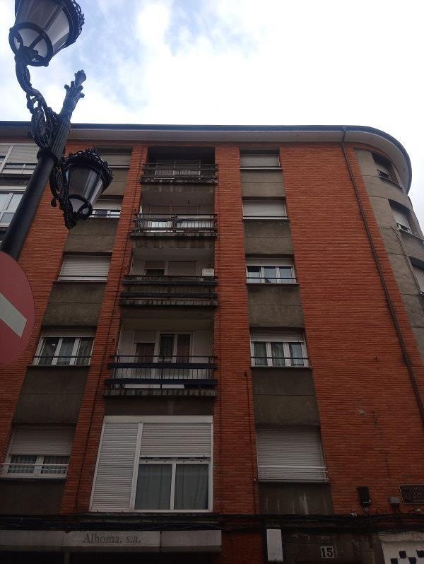 Piso en venta en San Lázaro Y Otero, Oviedo, Asturias, Calle Sur, 35.000 €, 2 habitaciones, 1 baño, 63 m2
