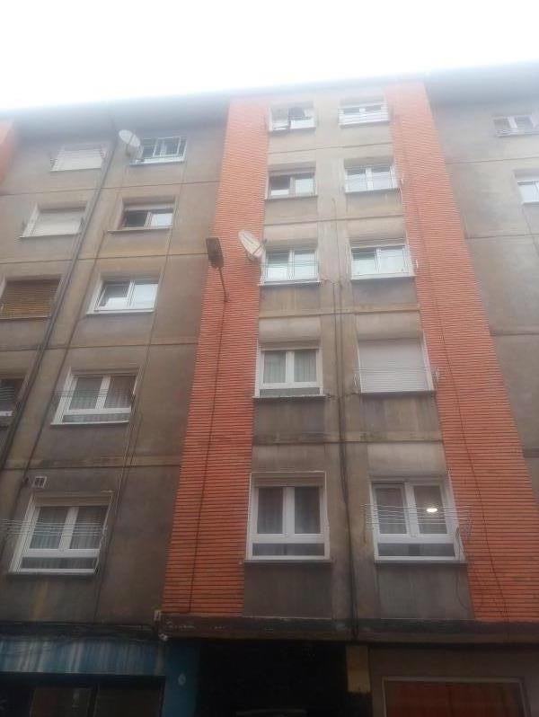 Piso en venta en Distrito Llano, Gijón, Asturias, Calle Carretera Leoncio Suarez, 59.000 €, 2 habitaciones, 1 baño, 67 m2