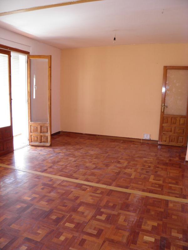 Piso en venta en Aranda de Duero, Burgos, Avenida Burgos, 55.000 €, 2 habitaciones, 1 baño, 80 m2