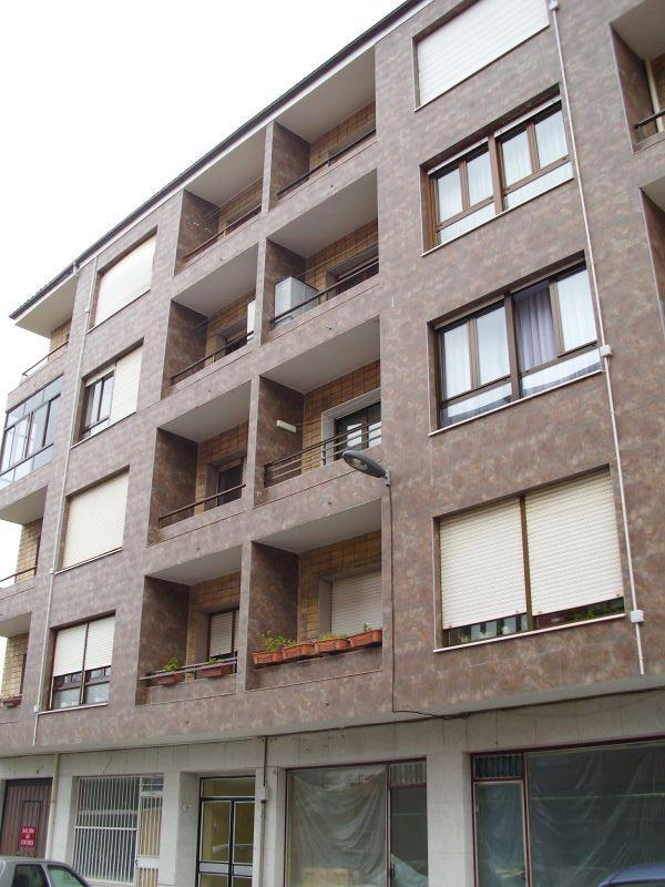 Piso en venta en Somahoz, los Corrales de Buelna, Cantabria, Calle Jose Maria Quijano, 76.000 €, 3 habitaciones, 1 baño, 107 m2