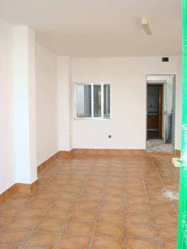 Casa en venta en El Palomar, Puente Genil, Córdoba, Calle Juan Xxiii, 65.900 €, 4 habitaciones, 2 baños, 149 m2