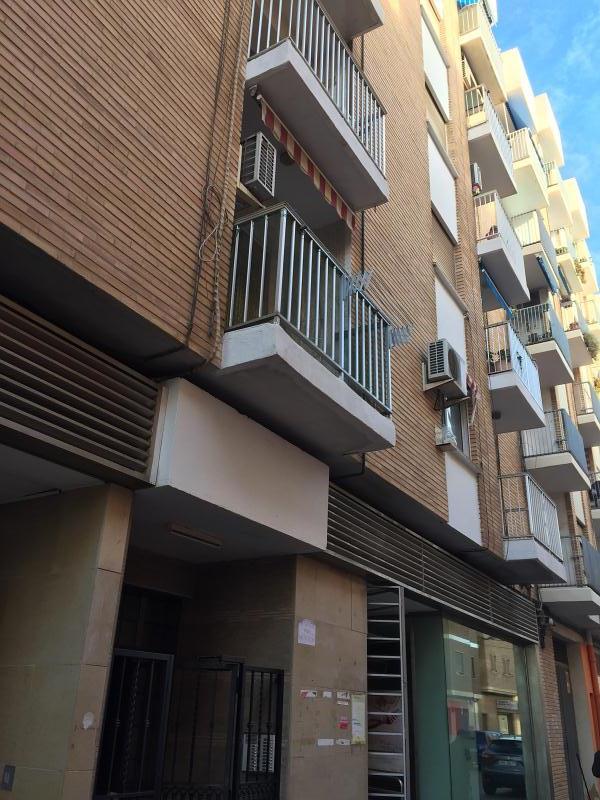 Piso en venta en Sagunto/sagunt, Valencia, Calle Puerto de Sagunto, 75.000 €, 3 habitaciones, 1 baño, 98 m2
